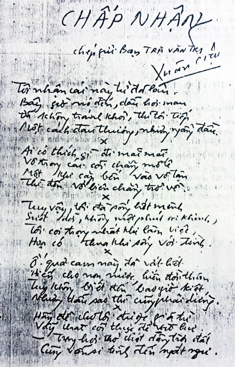 Bút tích Xuân Diệu tặng bài thơ Chấp nhận cho bác sĩ Trà Văn Trí