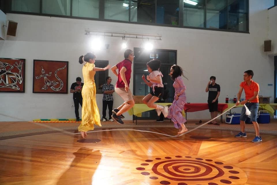 Tuy phải ăn Tết xa quê hương nhưng cộng đồng người Việt Nam ở thành phố Darwin vẫn tổ chức các hoạt động văn hóa trong dịp Tết Nguyên đán - Ảnh: NVCC