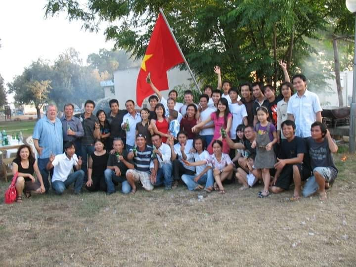 Tuy bận rộn với cuộc sống riêng nhưng cộng đồng người Việt ở đây luôn gắn bó với nhau như một đại gia đình - Ảnh: NVCC