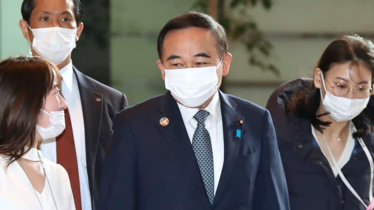 Tetsushi Sakamoto, Bộ trưởng phụ trách phục hồi khu vực và tăng tỷ lệ sinh của Nhật Bản, đã được giao nhiệm vụ với một thách thức khó khăn khác: xoa dịu nỗi cô đơn