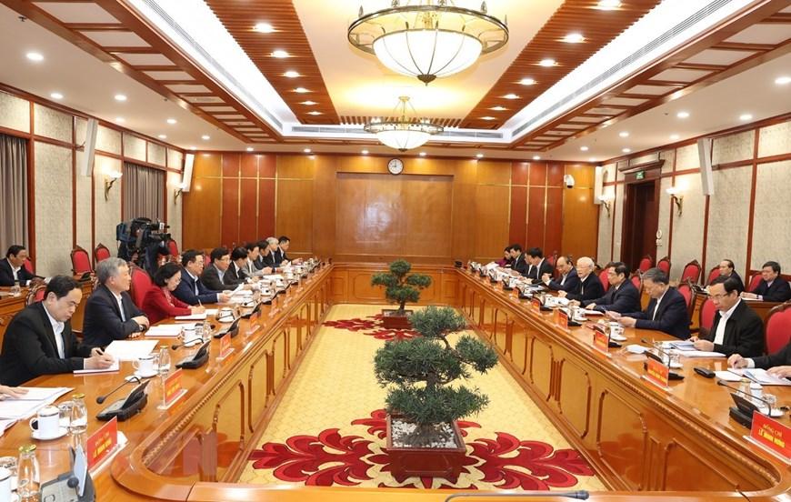 Quang cảnh phiên họp đầu tiên của Bộ Chính trị, Ban Bí thư khóa XIII. Ảnh: TTXVN