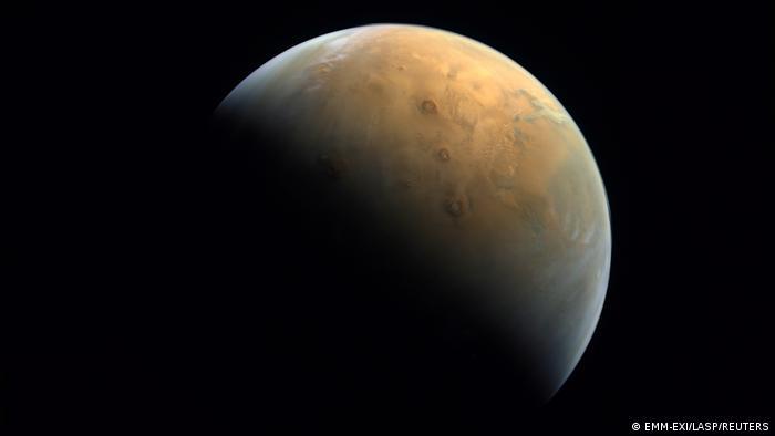 Hình ảnh sao Hỏa do tàu thăm dò Amal gửi về Trái Đất