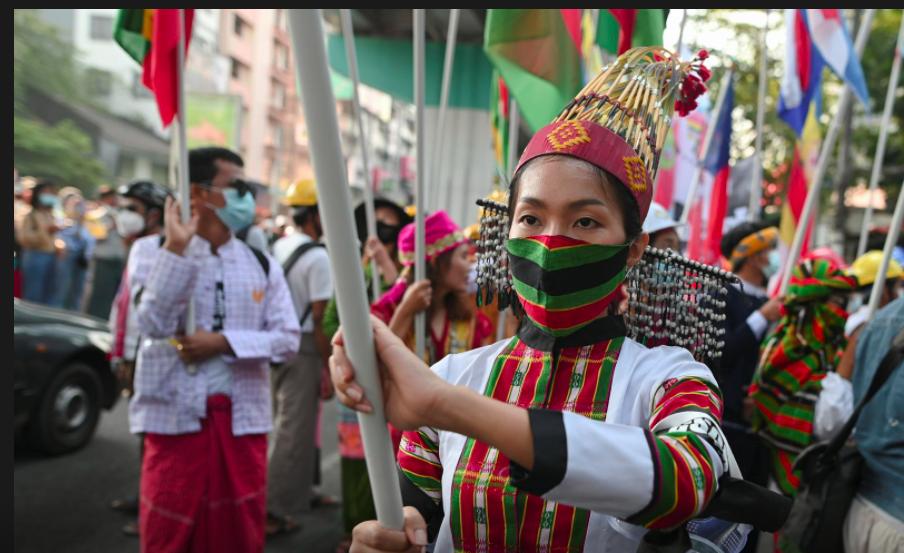 Người dân Myanmar tiếp tục xuống đường yêu cầu chấm dứt chế độ quân sự