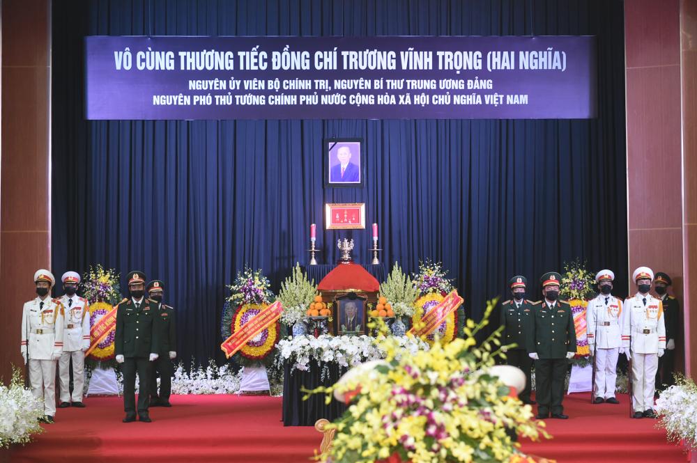 Linh cữu đồng chí Trương Vĩnh Trọng được đưa tới Hội trường lớn tỉnh Bến Tre - Ảnh: VGP