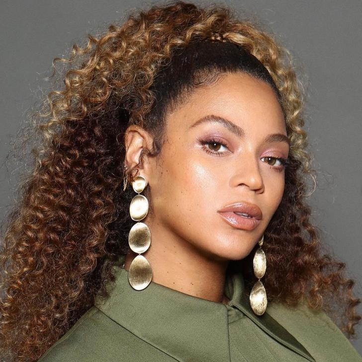 """2. Beyoncé (92,44  Beyoncé ghi điểm cao ở vùng trán và chân mày. Bác sĩ phẫu thuật nhận xét: """"Cô ấy đạt điểm tuyệt đối về hình dáng khuôn mặt, nhưng lại bị đánh giá thấp về lông mày và cằm""""."""