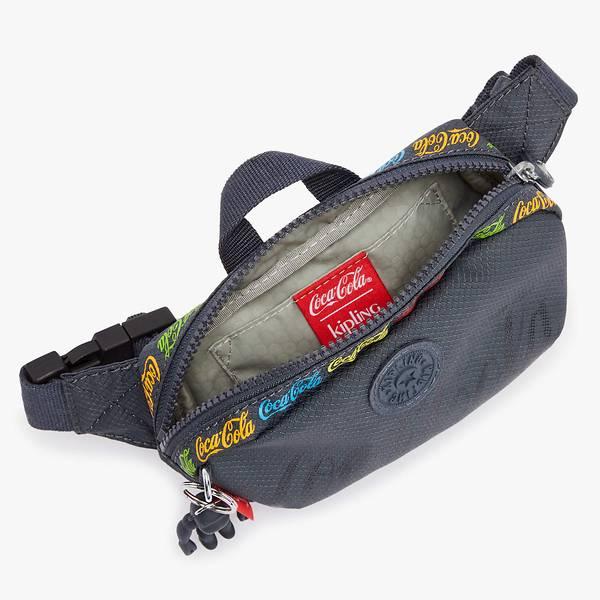 Các túi xách tái chế từ hàng trăm ngàn chai nhựa, hướng tới xu hướng thời trang bền vững.