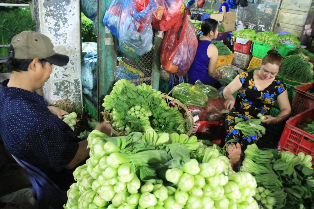 Dù tiểu thương các chợ chưa mở cửa lại sau tết nhưng không có hiện tượng thiếu hụt thực phẩm