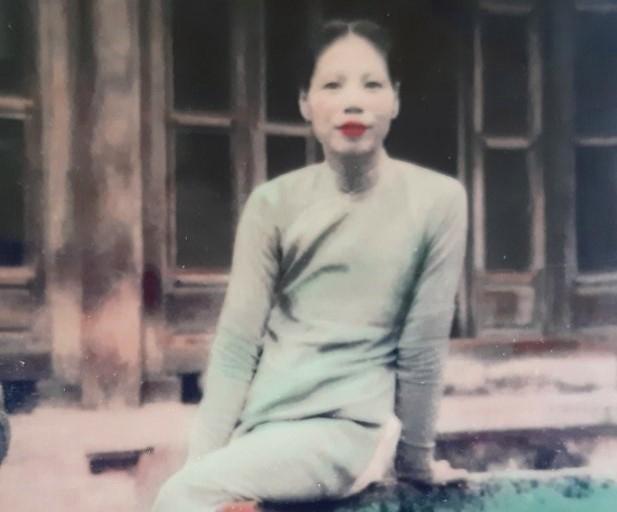 Bà Dinh khi còn làm cung nữ triều Nguyễn