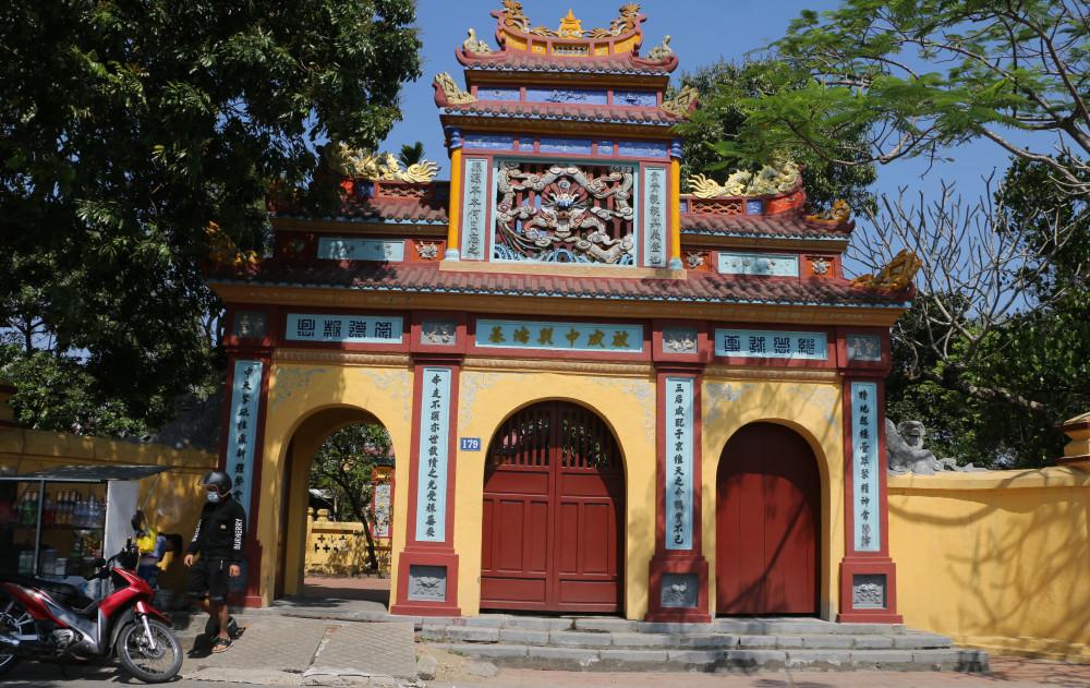 Đám tang người cung nữ cuối cùng của triều Nguyễn hiện đang diễn ra ở phủ Kiên Thái Vương