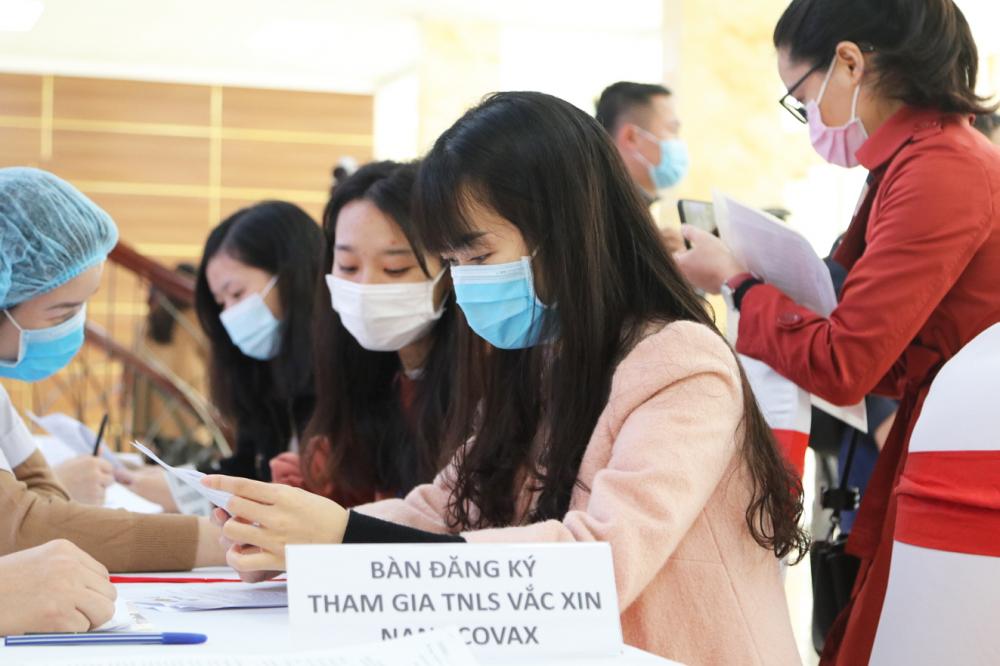 Người dân đăng ký thử nghiệm vắc-xin - Nguồn ảnh: Bộ Y tế