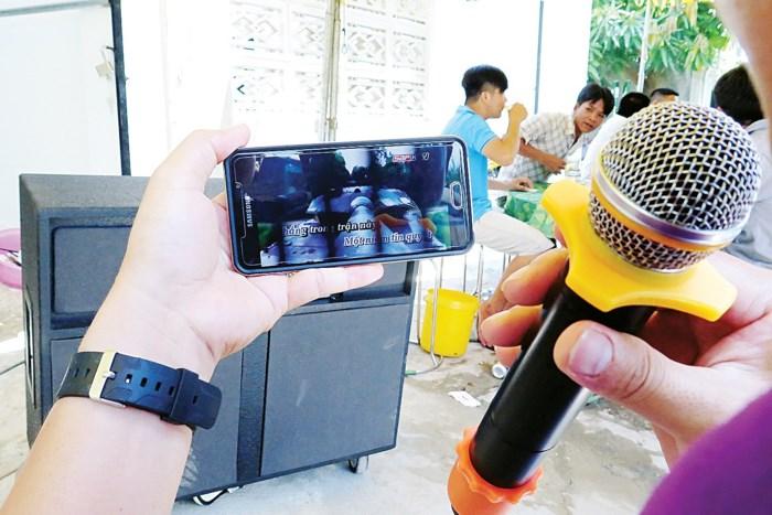 Karaoke trở thành nỗi ám ảnh ở nhiều nơi