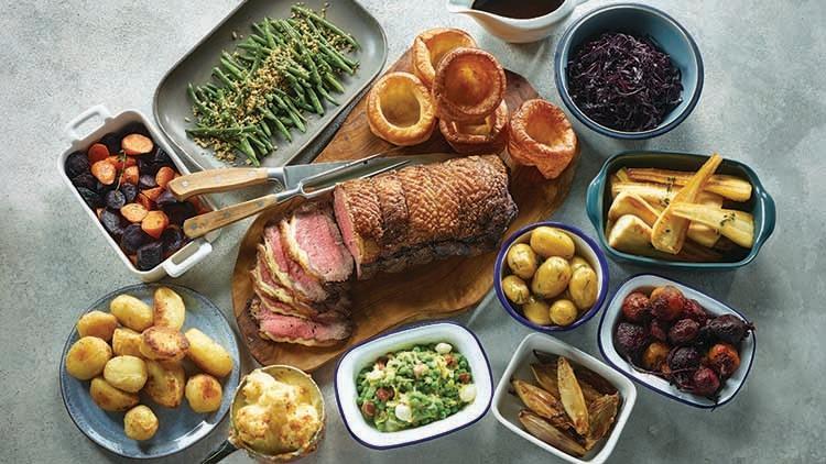 Bữa ăn cuối tuần của người Anh luôn có món thịt nướng nên gọi là Sunday Roast