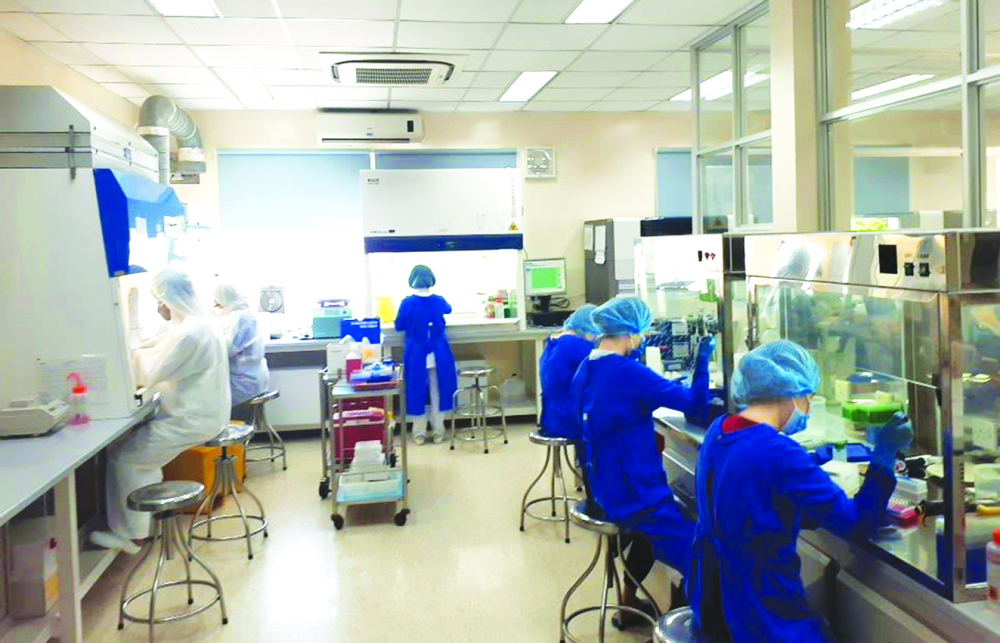 Bên trong phòng xét nghiệm của Bệnh viện Bệnh nhiệt đới TP.HCM