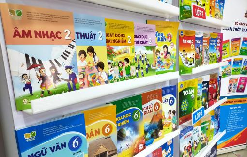 Sách giáo khoa lớp 2, lớp 6 của Nhà xuất bản Giáo dục Việt Nam