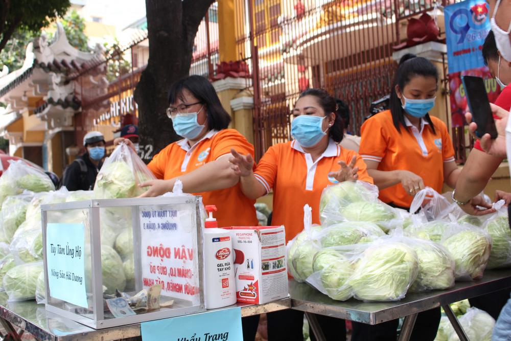 Phụ nữ, thanh niên... đều chung tay lập gian hàng nông sản 0 đồng, hỗ trợ nông dân Hải Dương