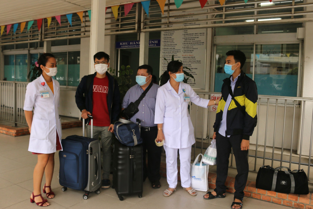 Đội phản ứng nhanh số 4 của Bệnh viện Chợ Rẫy đã lên đường đến Đà Nẵng để hỗ trợ các đồng nghiệp chống COVID -19