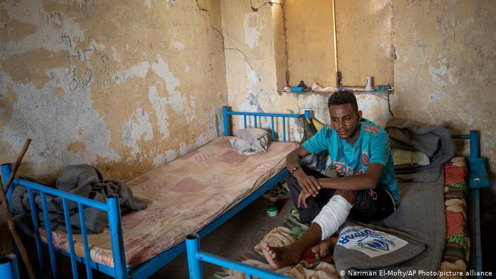 Tình trạng cùng quẫn của những người dân sống trong trại tị nạn ở Tigray - Ảnh: DW/Getty Images