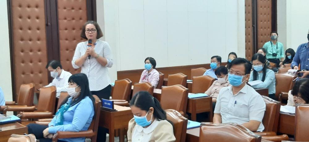 Bà Đoàn Thị Tú Linh- Phó trưởng Phòng LĐTB &XH TP Thủ Đức cho rằng cần có sự chia lửa