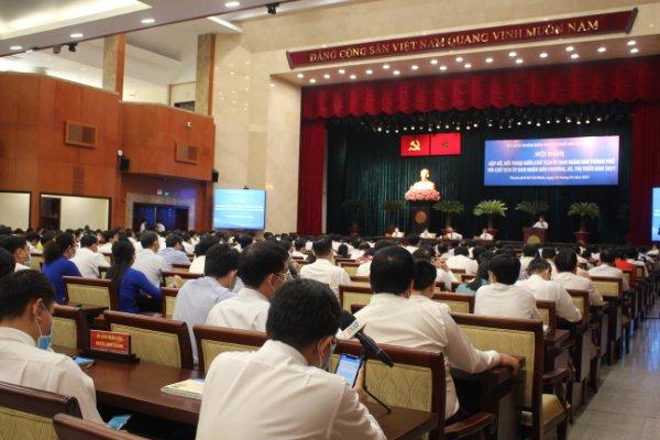 Chủ tịch UBND TPHCM Nguyễn Thành Phong cho biết, ông nhận được rất nhiều phản ánh liên quan và tại hội nghị, ông yêu cầu lãnh đạo các địa phương phải thấy trách nhiệm của mình