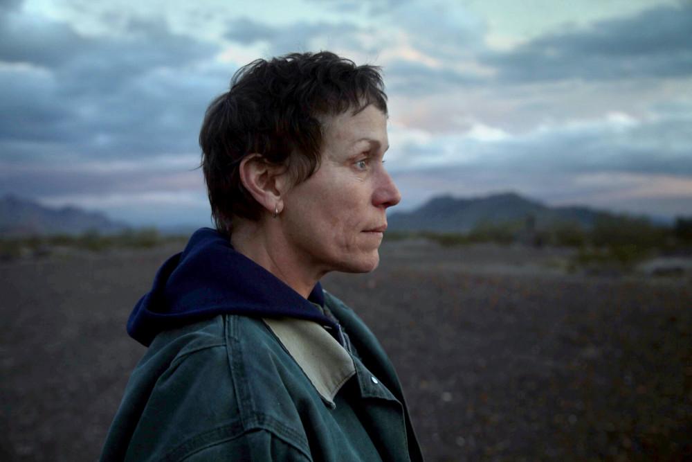 Diễn viên Frances McDormand đảm vai chính trong phim Nomadland.