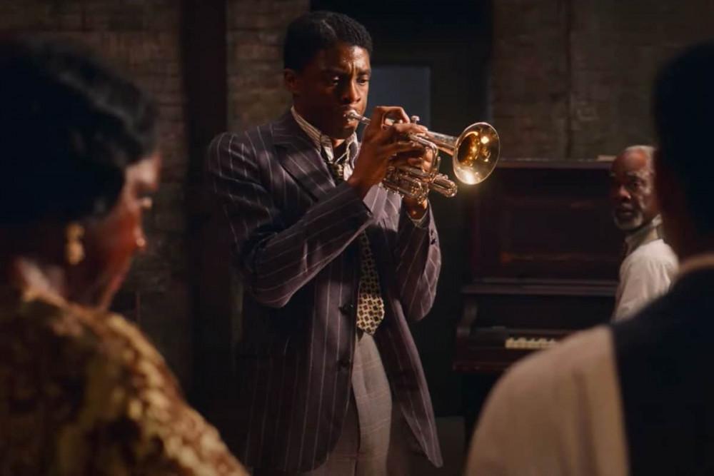 Nam diễn viên Chadwick Boseman với hình ảnh trong phim Ma rainey's black bottom