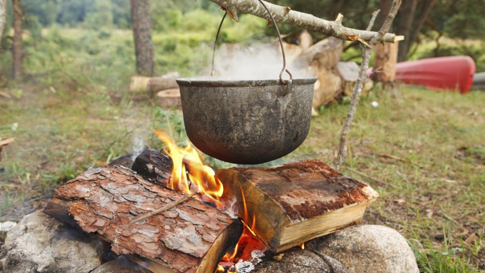 Con người đã bắt đầu ăn món súp từ cách đây hàng ngàn năm - Ảnh: iStockphoto