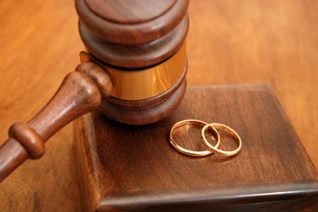 """Chỉ có một trường hợp người chồng """"cặp bồ"""" nhưng không vi phạm pháp luật"""