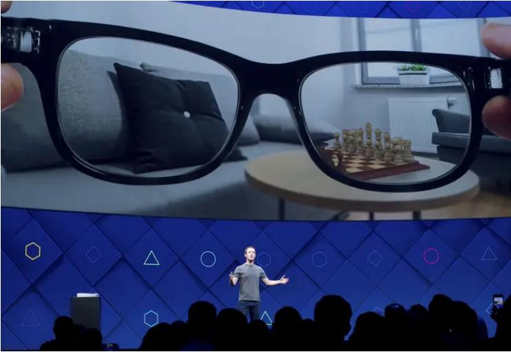 Giám đốc điều hành Facebook Mark Zuckerberg phát biểu tại hội nghị nhà phát triển F8 hàng năm của công ty