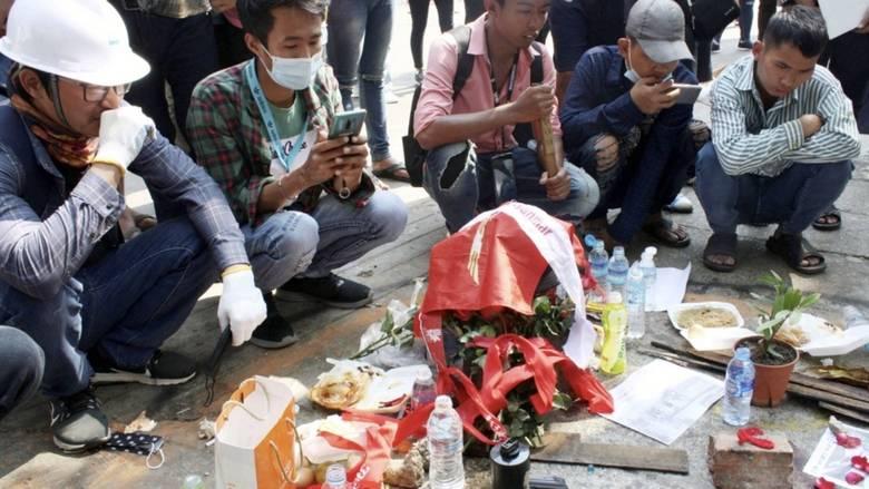 Theo tổ chức Nhân quyền của LHQ, ít nhất 28 dân thường đã thiệt mạng trong cuộc đàn áp biểu tình hôm 28/2