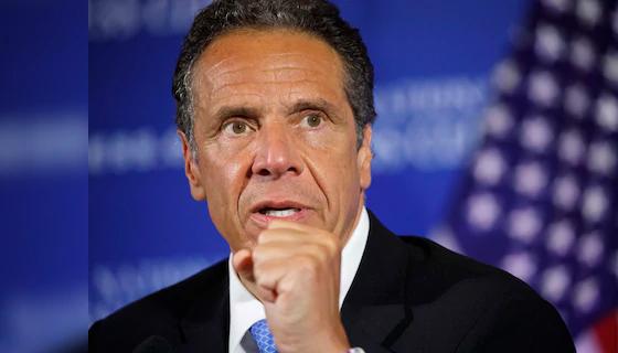 Thống đốc New York Andrew Cuomo phát biểu tại một cuộc họp báo ở Washington, D.C - Ảnh: AP