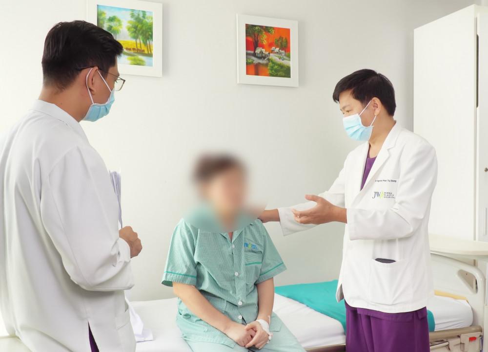 Hiện tại sức khỏe của bệnh nhân sau xử lý nâng ngực đã ổn địn