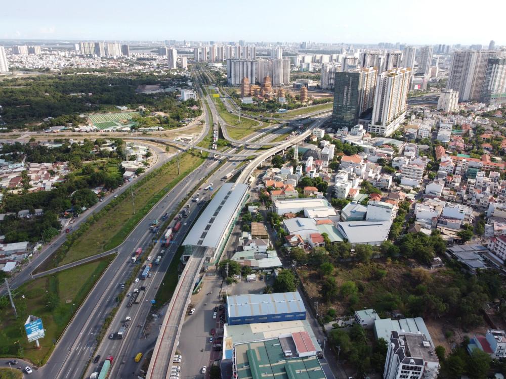 Metro số 1 Bến Thành - Suối Tiên dự kiến khai thác thương mại vào năm 2022.  Ảnh: Trường Nguyên