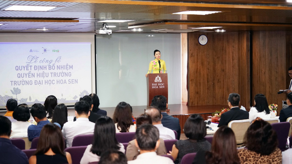 Phó giáo sư - tiến sĩ Võ Thị Ngọc Thúy - Quyền hiệu trưởng Trường đại học Hoa Sen - phát biểu nhậm chức - Ảnh: Thanh Thanh