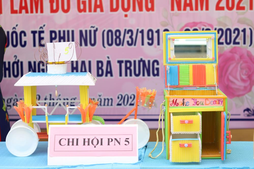 Những sản phẩm đang được trưng bày  tại UBND phường Trường Thọ.