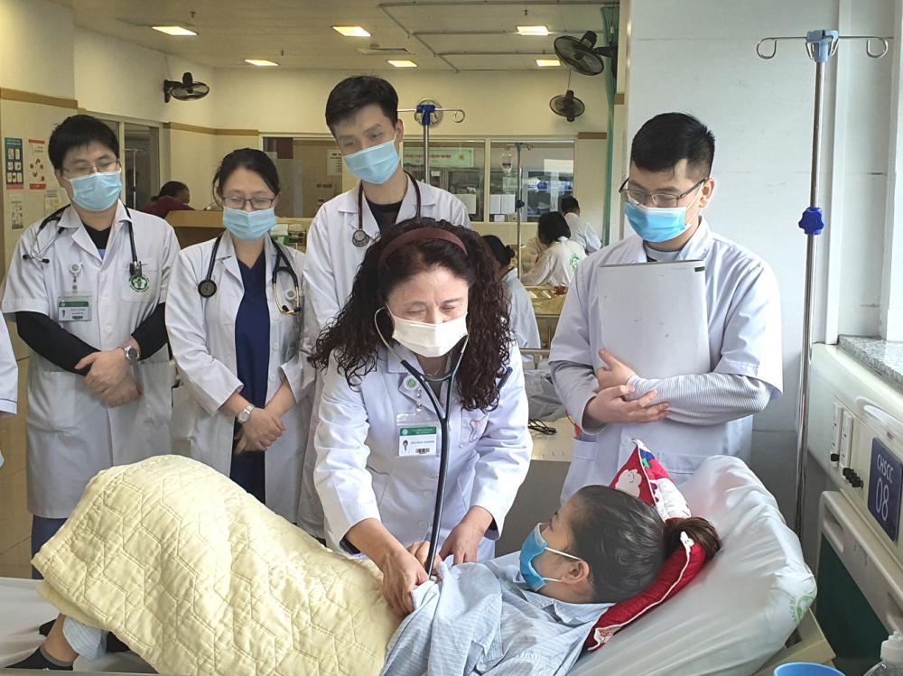 PGS.TS.BS Trương Thanh Hương luôn dành hết tâm huyết để truyền lửa kiến thức và đam mê cho học trò của mình