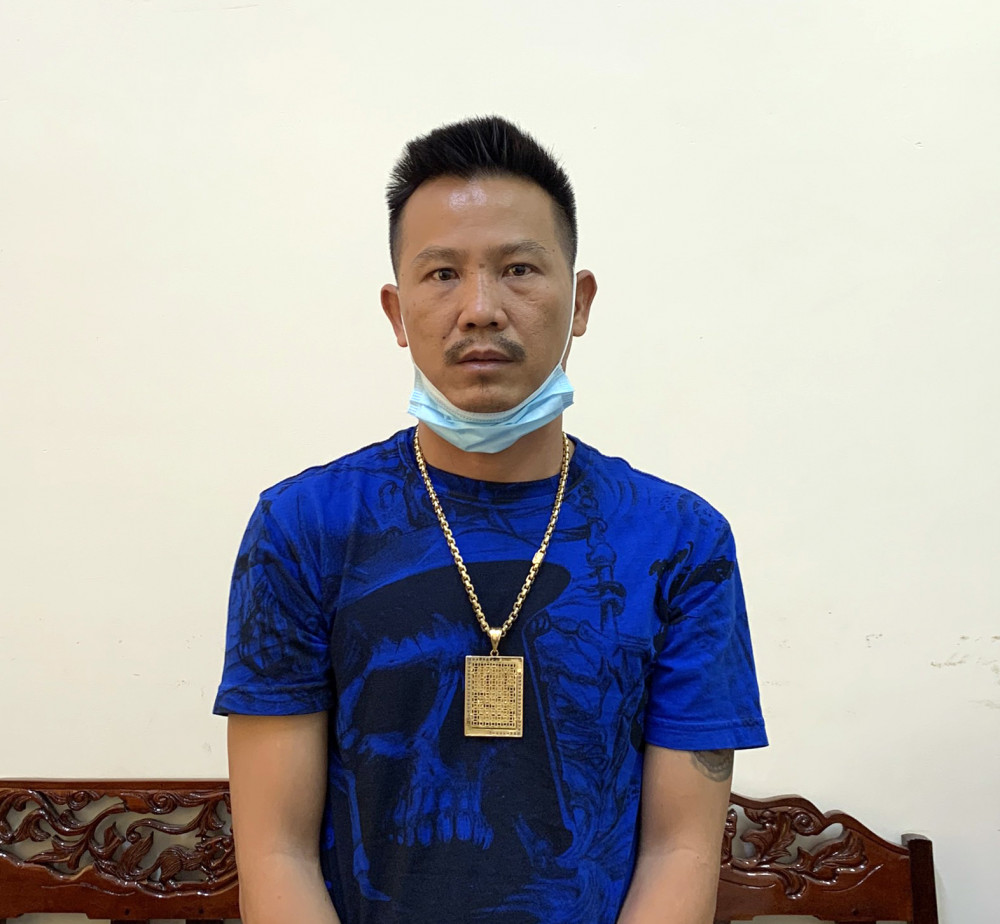 Nghi can Nguyễn Thanh Bình, một trong những nghi can cầm đầu trong vụ hỗn chiến, nổ súng ở Cần Thơ bị Công an tỉnh Cà Mau bắt giữ.