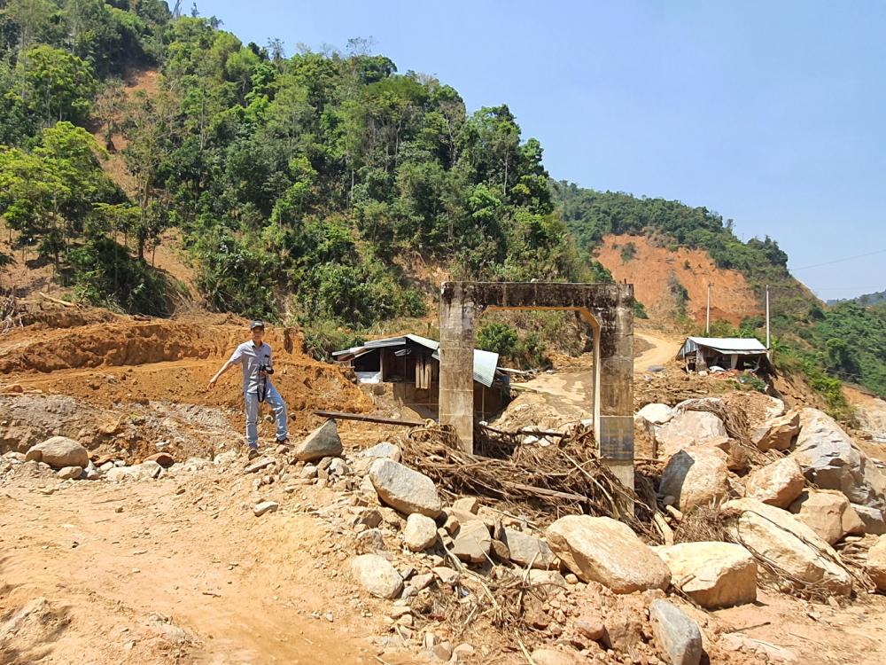 Thôn 2, xã Phước Thành, một thời sầm uất, nay nhà cửa bị cuốn trôi sạch
