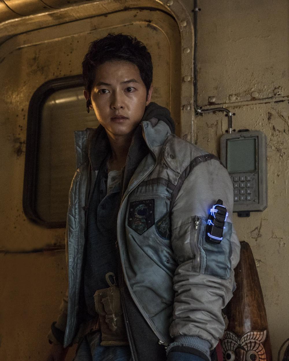 Song Joong Ki và tạo hình trong Space Sweepers - bộ phim viễn tưởng có kinh phí thuộc hàng khủng tại Hàn Quốc.