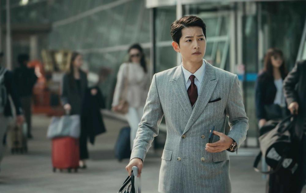 Trong Vincenzo, Song Joong Ki vào dạng vai điển trai thường thấy.