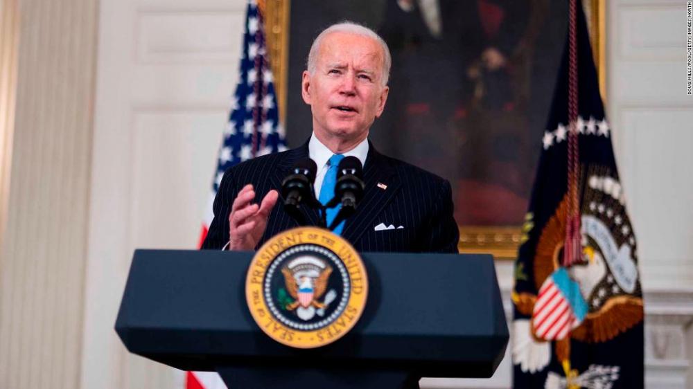 Việc Thượng viện Mỹ thông qua được gói  cứu trợ COVID-19 khổng lồ trị giá 1,9 ngàn tỷ USD được đánh giá một chiến thắng lịch sử của Tổng thống Joe Biden - Ảnh: CNN