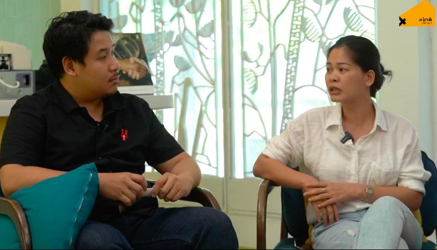 Biên kịch Trịnh Quang Minh (trái, dẫn chương trình) và đạo diễn Nguyễn Thị Thắm.