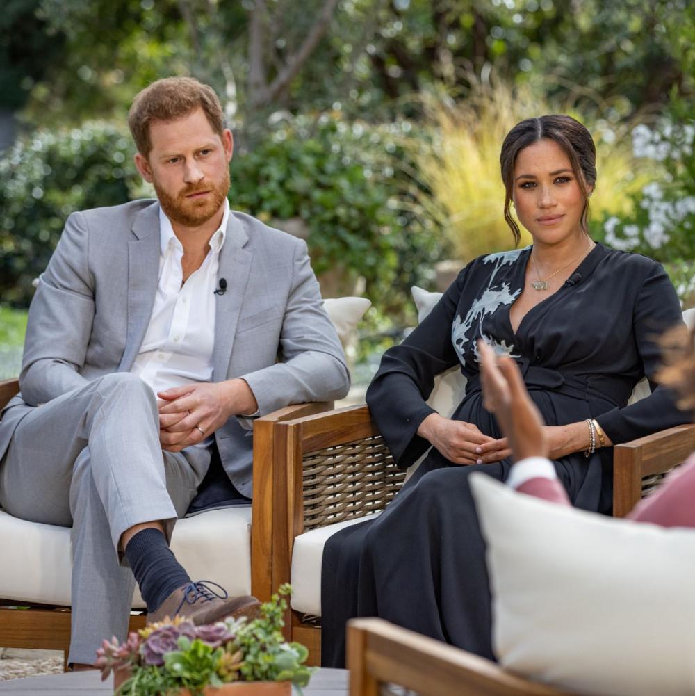 Harry và Meghan Markle xuất hiện tại cuộc phỏng vấn với Oprah.