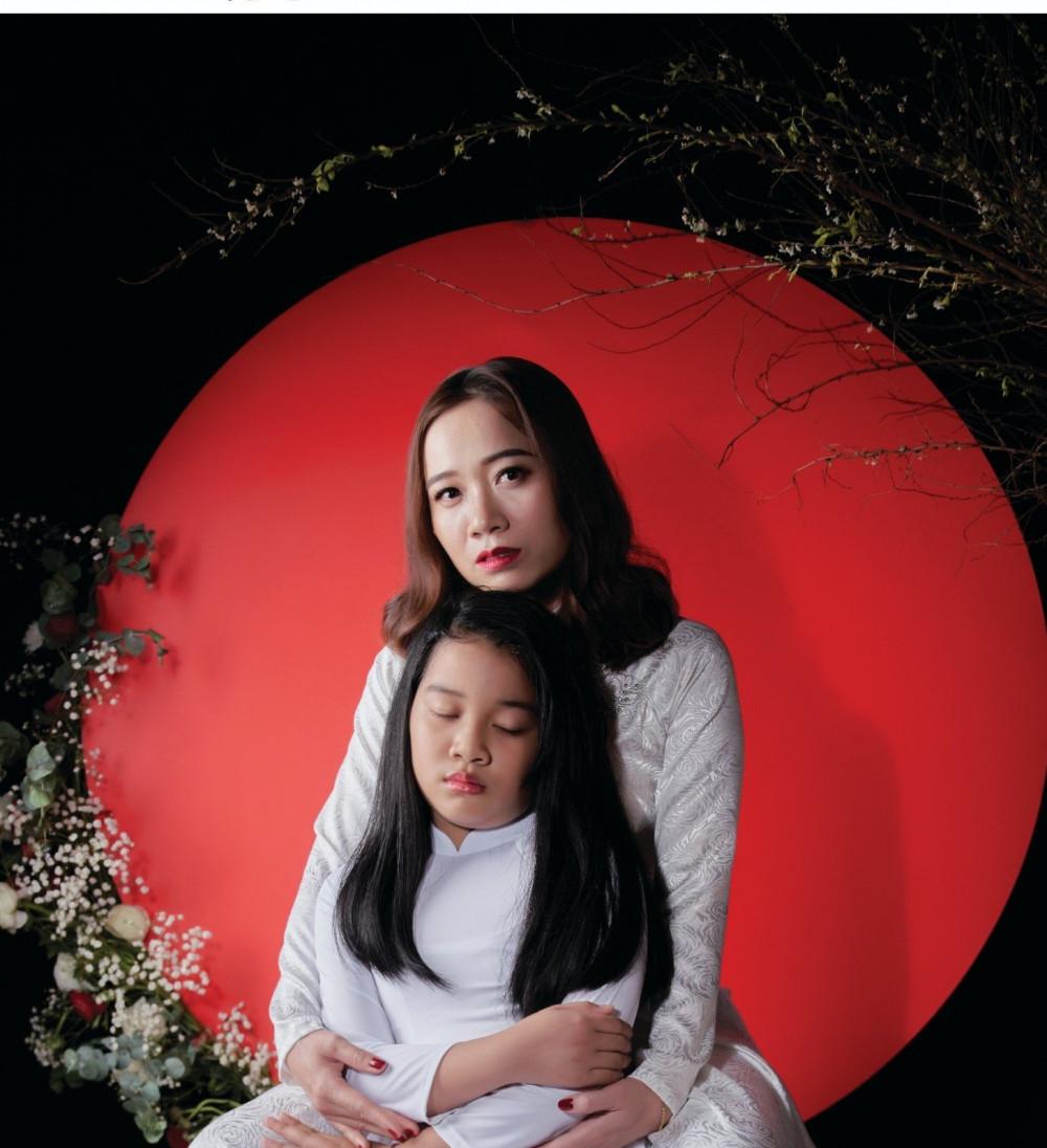 Chị Phan Ngọc Hồng Châu và con gái.