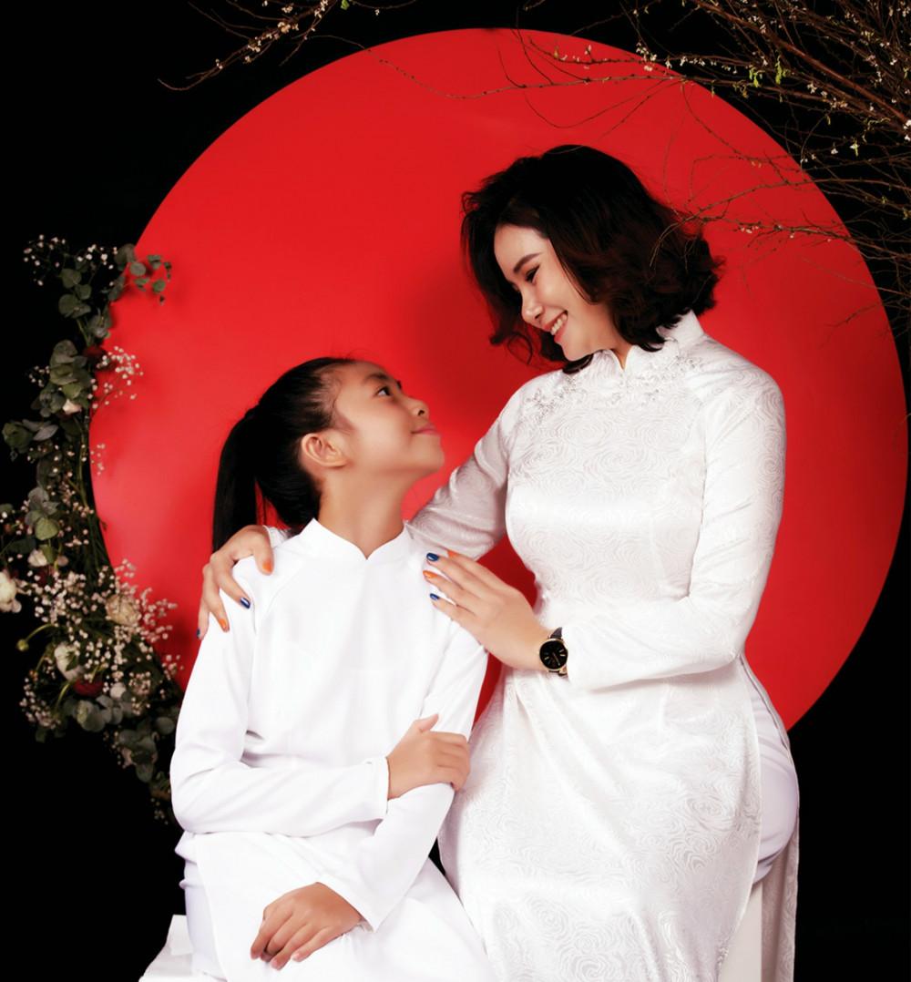 Mẹ Catherine Yến Phạm và Con gái Aurona Scheiber Mai