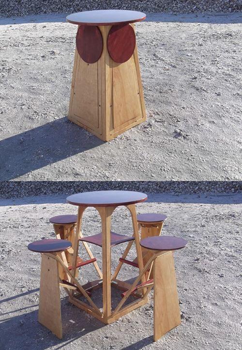 Hình 8. Chiếc bàn nhỏ với những chiếc ghế đẩu ẩn có thể gấp lại là một ý tưởng tuyệt vời cho bất kỳ không gian nhỏ ngoài trời nào