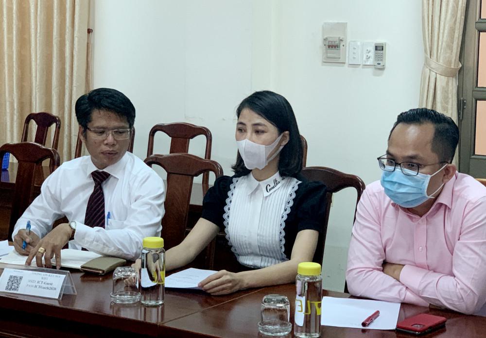 Youtuber Thơ Nguyễn mệt mỏi và xin được làm việc vào ngày mai 16/3
