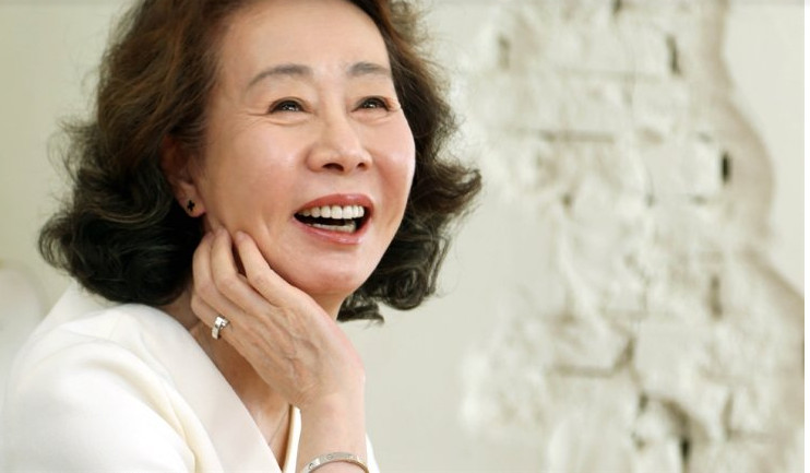 Youn Yuh Jung tâm sự bà ngông cuồng hơn khi bắt đầu bước qua tuổi 65.