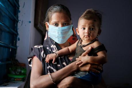 Đại dịch COVID-19 gây thiệt hại lớn cho phụ nữ và trẻ em Nam Á