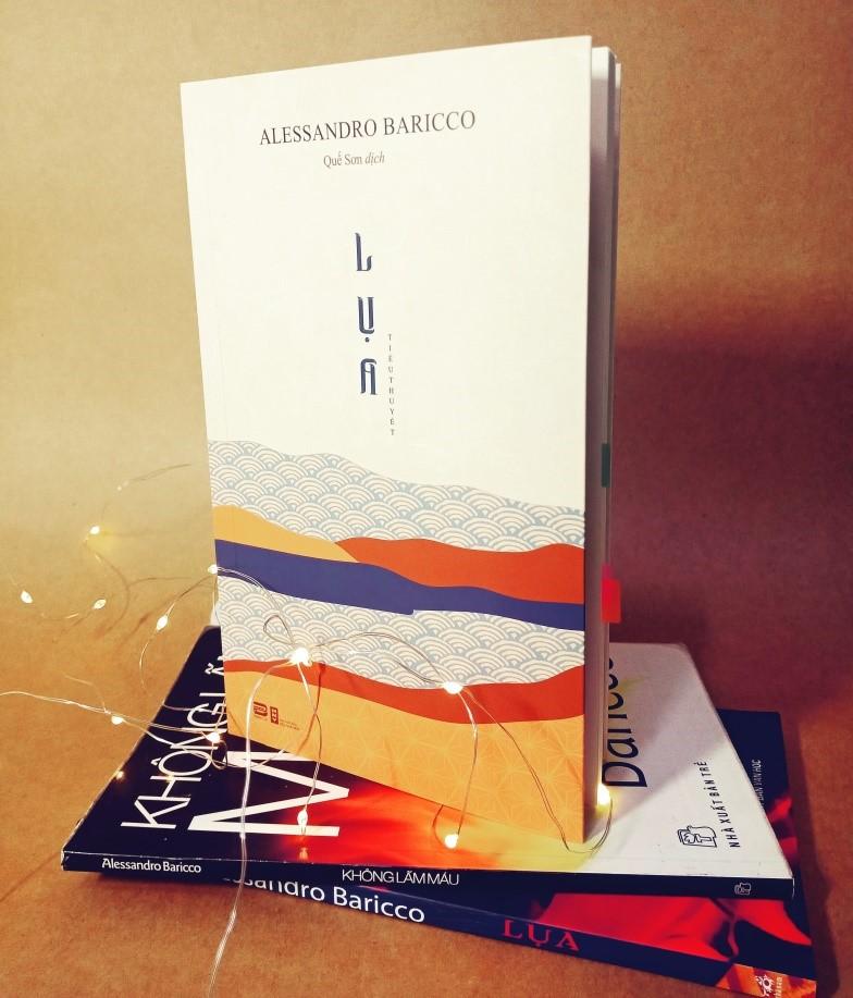 Lụa do NXB Văn học phối hợp với Phanbook xuất bản gần đây trong bản dịch được hiệu chỉnh mới của Quế Sơn