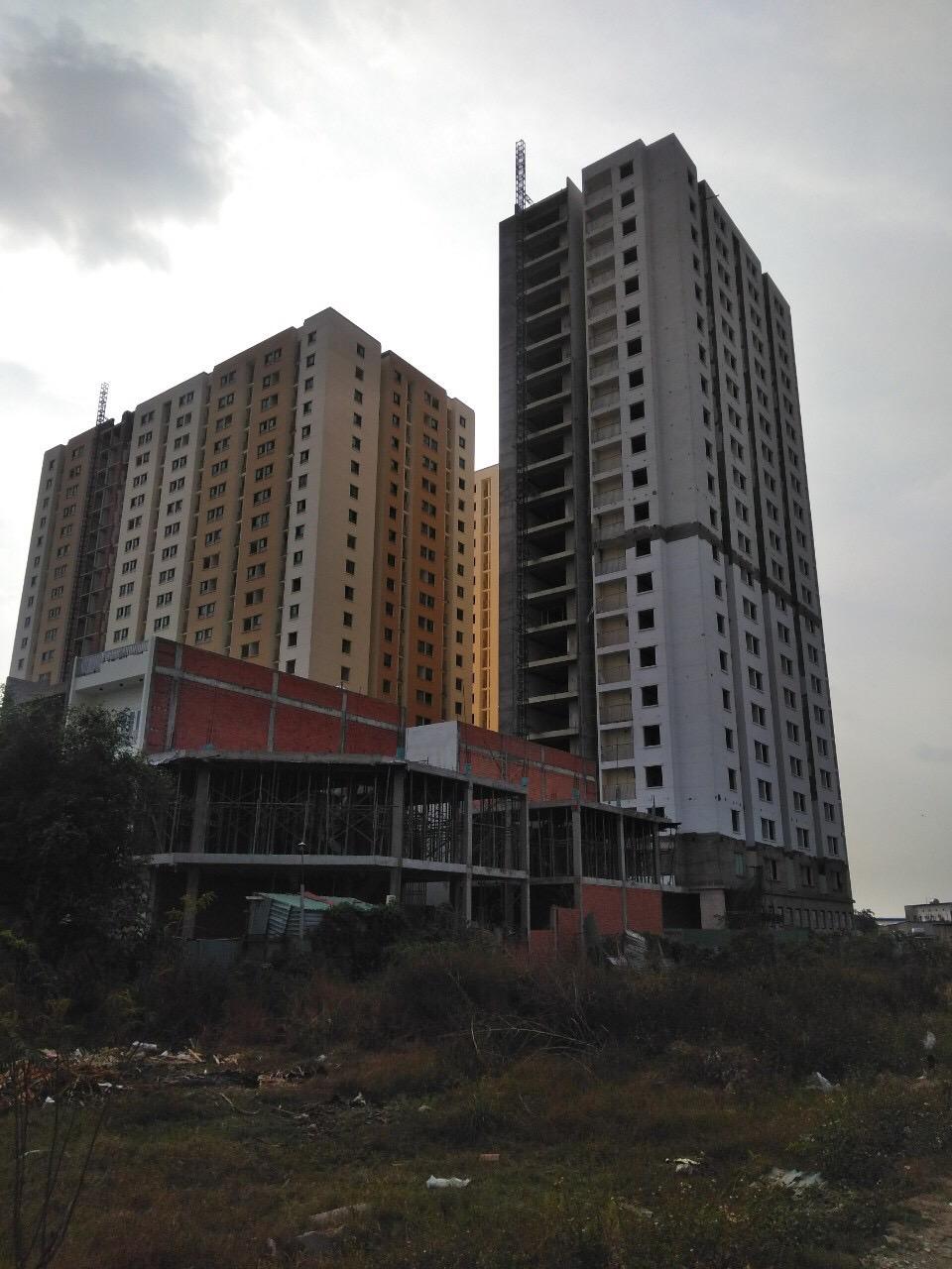 Dù chủ đầu tư đã kéo dài thời hạn bàn giao nhà nhiều lần nhưng đến nay vẫn chưa giao nhà được cho cư dân